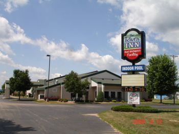 River Inn - Hotels/Accommodations - 1700 Elm St., Boscobel, WI