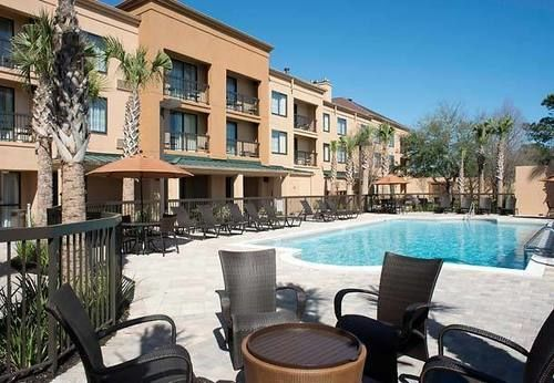 Courtyard Marriot At Craft Farms - Hotels/Accommodations - 3750 Gulf Shores Pkwy, Gulf Shores, AL, 36542