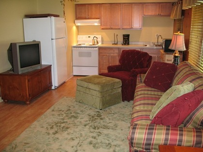 "Suite 3 - ""Vineyard Retreat"" -  - Lady of the Lakes Suites"
