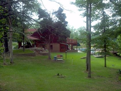 -  - Peaceful Oaks Bed Breakfast and Barn