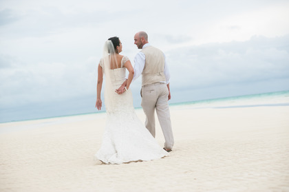 Bahamas wedding at Gold Rock Creek Beach, Grand Bahama Island, just steps from where Pirates of the Caribbean III was filmed. - Ceremonies - Chic Bahamas Weddings