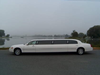 Excelsior Limousine Service - Limos/Shuttles - 101 Lochiel Street West, Alexandria, Ontario, K0C 1A0, Canada