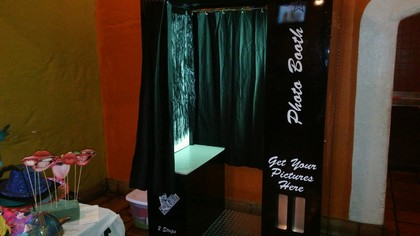 Memory Lane Photo Booths - Photo Booths, Photographers - Long Beach  Blvd., Long Beach, CA, 90805, USA
