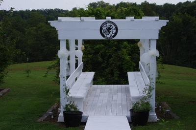 Hummingbird Arbor Weddings - Officiants, Ceremony Sites - 1338 East Canoe Creek Road, Lancaster, Kentucky, 40444, United States