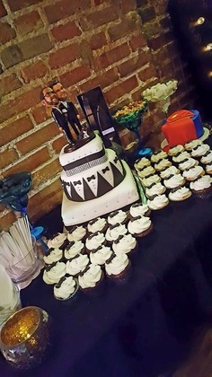 Cakes and Desserts - Jefferson City Wedding In May in Jefferson City, MO, USA